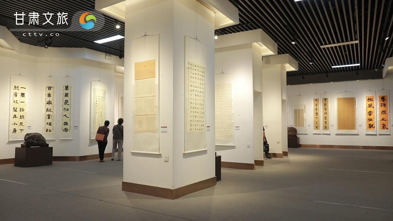 甘肃省第七届妇女书法作品展开展 182件作品展出
