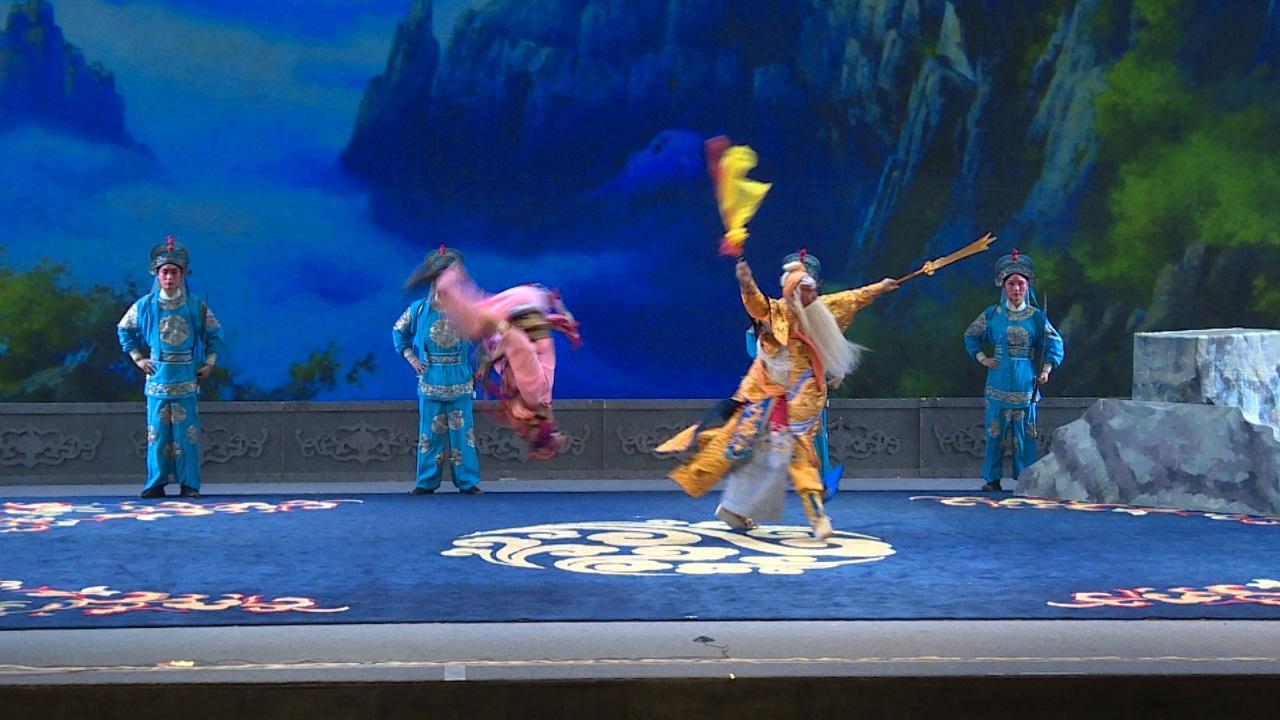 第六届甘肃戏剧红梅奖大赛开幕 8台大戏 58出折子戏展开激烈角逐
