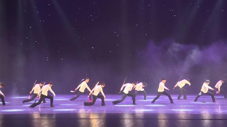 舞蹈《剑舞》,仗剑起舞,刚柔并济