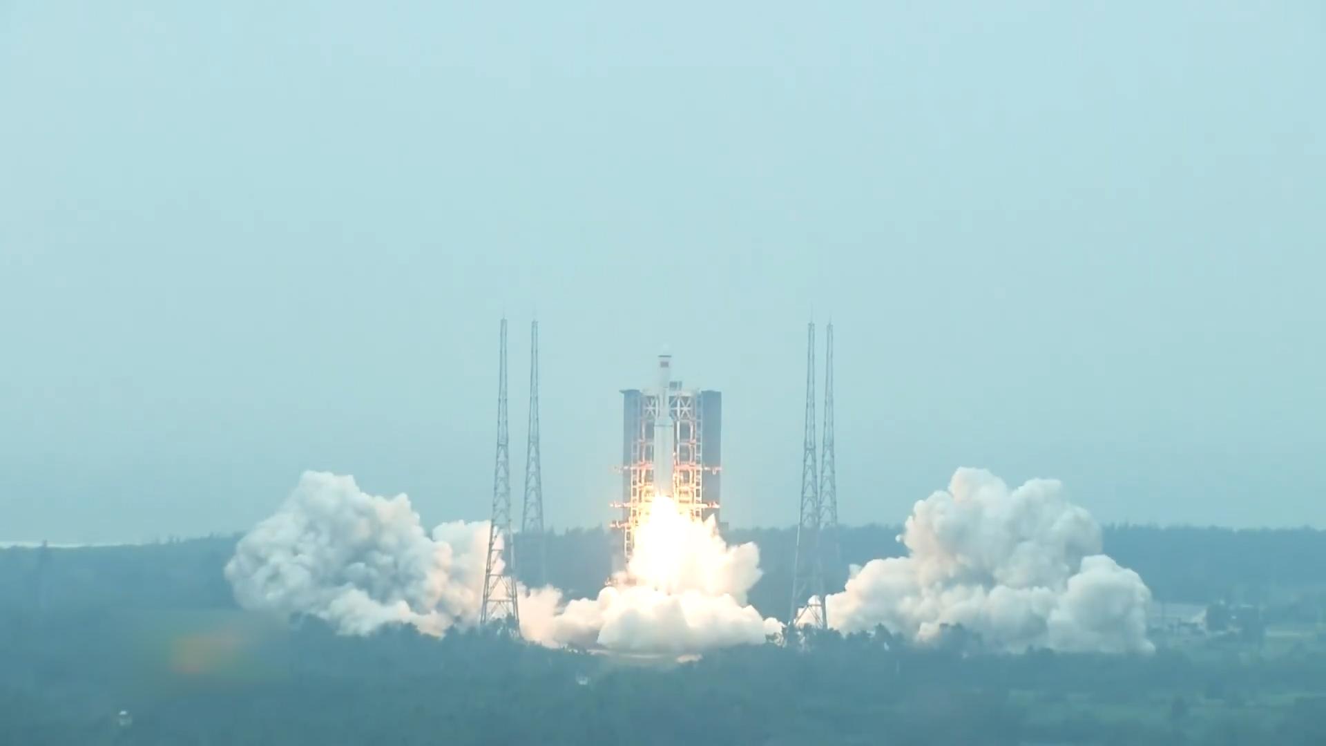 新火箭 初亮相 長征八號運載火箭首飛成功!