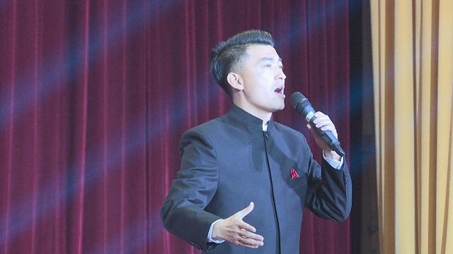 蘭州市著名歌唱家李德盛 一首《故鄉戀》唱出思鄉情
