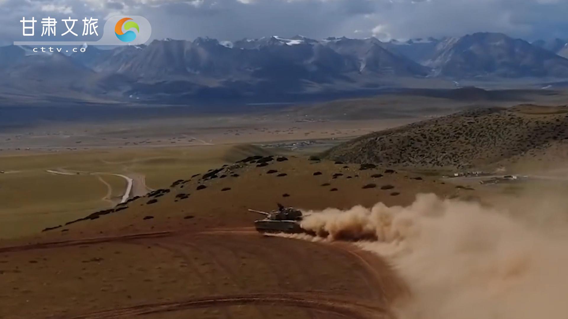 高原铁骑——中国15式轻型坦克