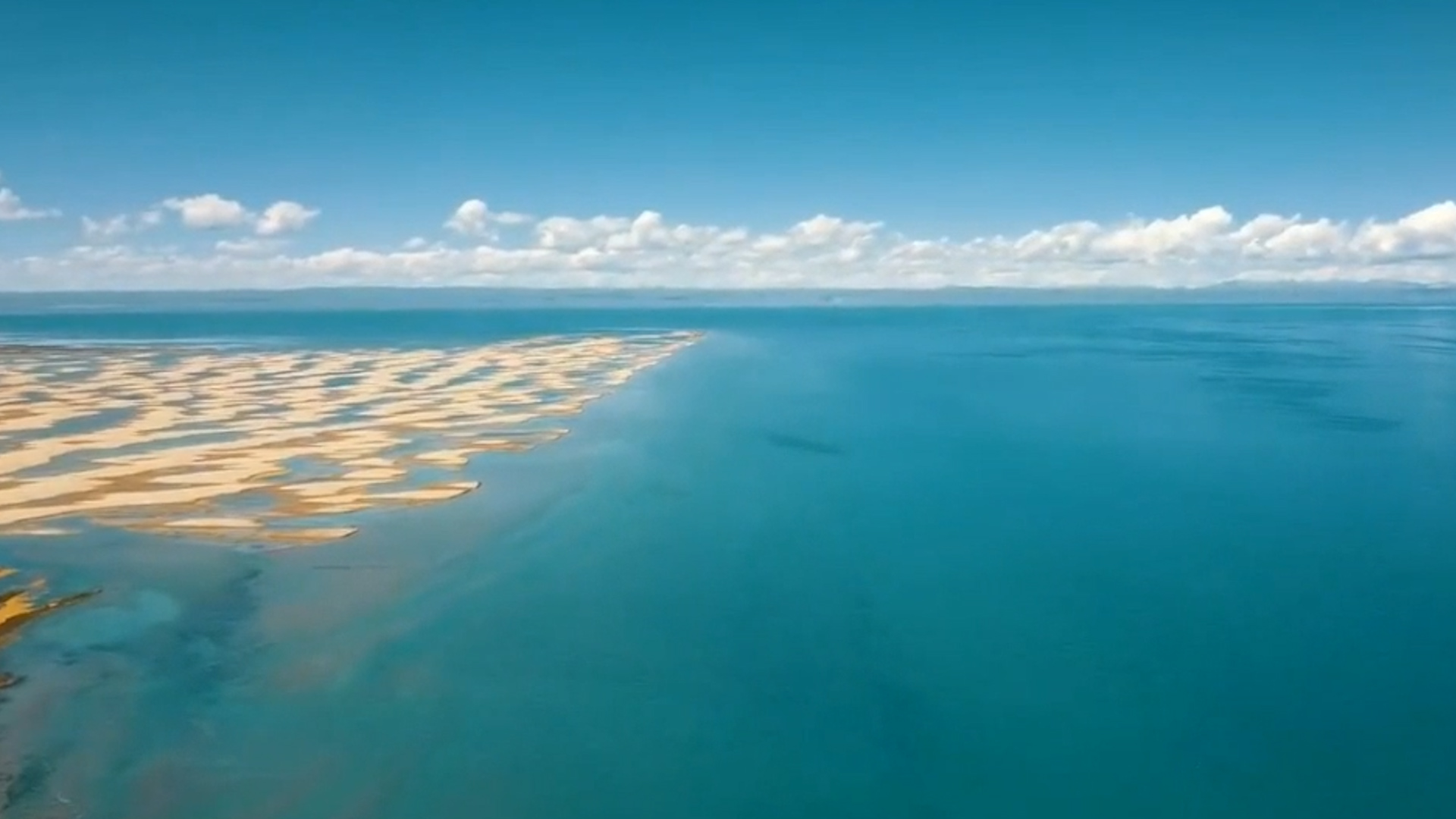 想不想来一场惬意之旅呢?那就来青海湖实现你的愿望吧!