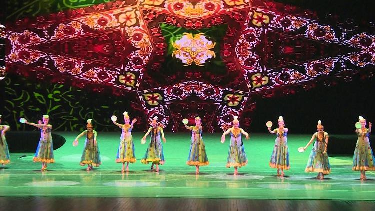 花之舞   舞出民族乐章