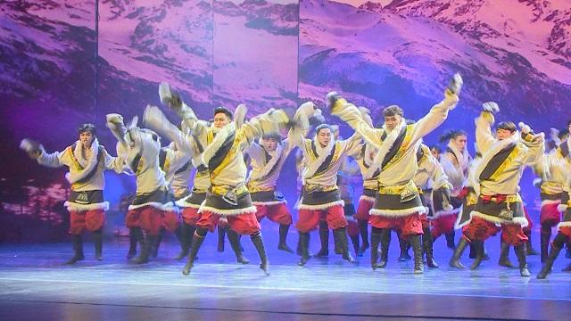 舞蹈《雪域汉子》舞姿豪迈挺拔,尽显西北男儿飒爽英姿
