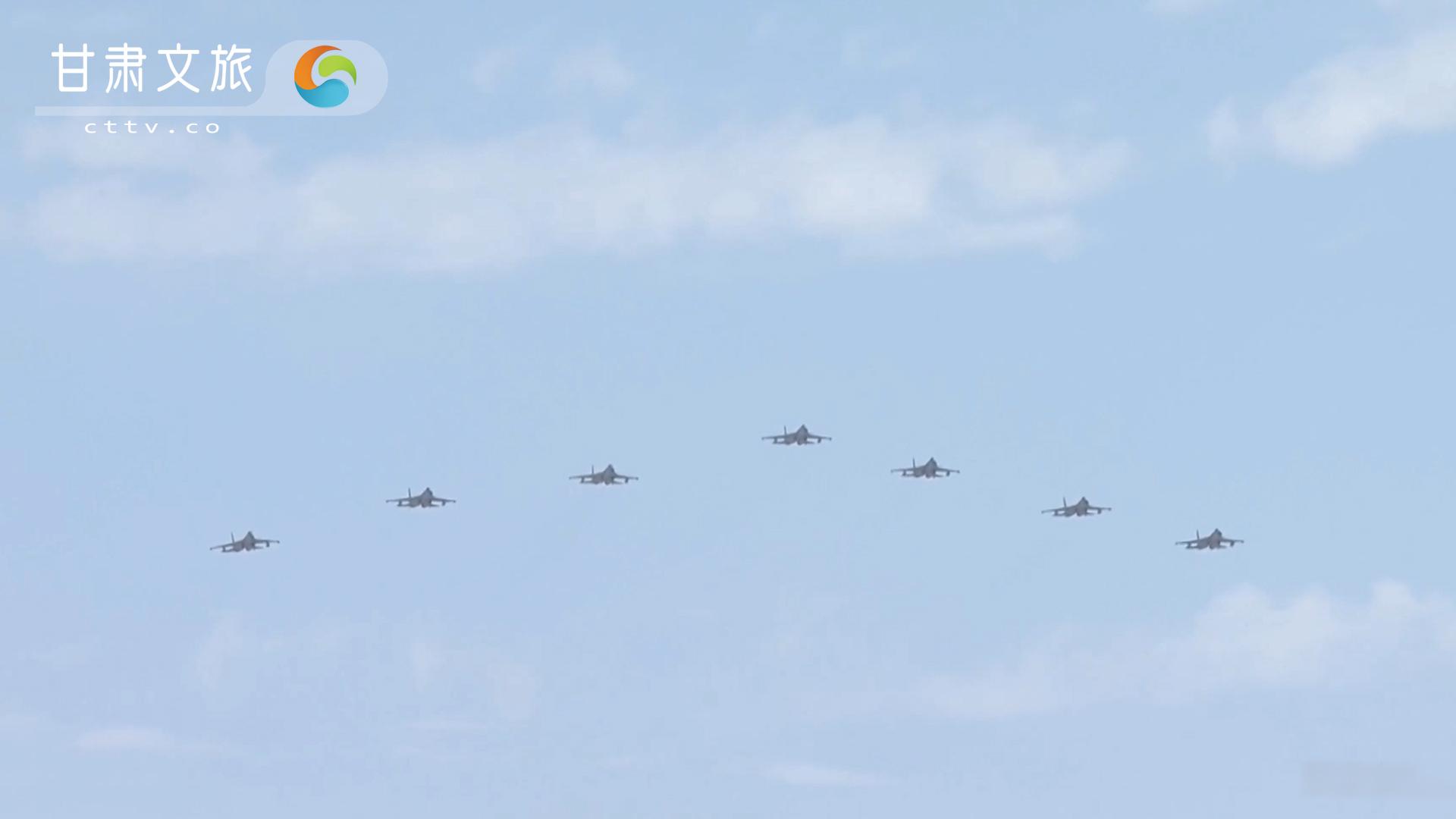 歼-16与苏-30对阵谁更强?两者数据对比,歼16全面碾压
