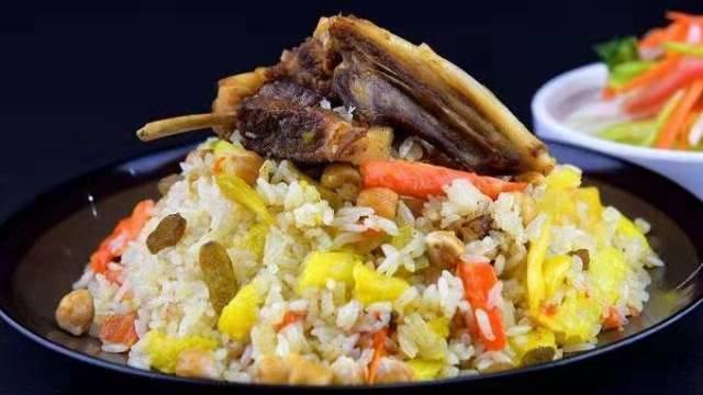 舌尖上的新疆美食——抓饭